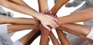 handen-op-elkaar-samenwerken